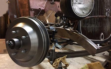 New Hubs for a Traditional-Style Hot Rod