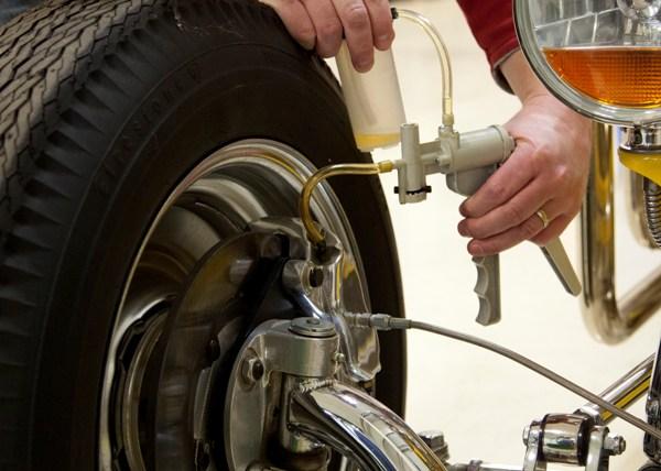 Резултат с изображение за aluminium vacuum pump and brake bleeder kit