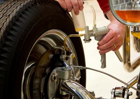 How Do You Bleed Brakes >> How To Vacuum Bleed Your Brakes