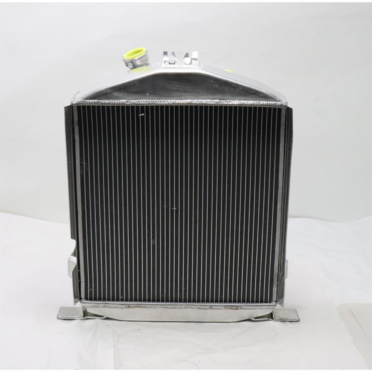 ALLOYWORKS 4 Row Core Aluminum Radiator For 1932 Ford HI-BOY Hot Rod Chevy V8 Engine
